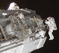 Photo: EVA at STS-113 mission
